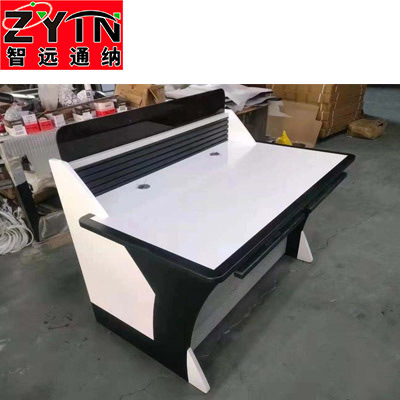 TN-0085 平面是钢木结构操作台